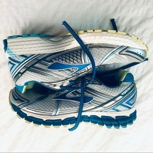 Brooks Womens Running Shoes Size 9 Excellent Cond